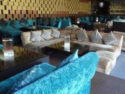 Goldfinch Hotel Mumbai Restaurant