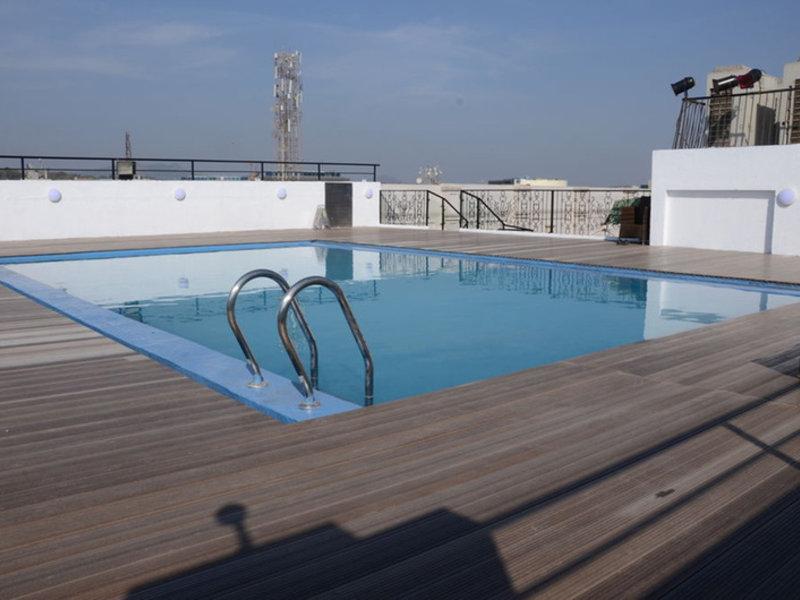 Goldfinch Hotel Mumbai Pool