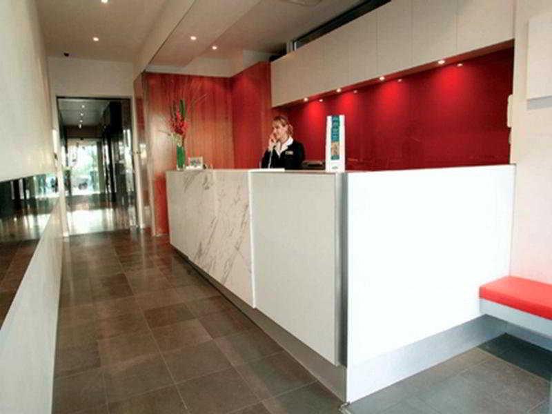 Adina Apartment St. Kilda Lounge/Empfang