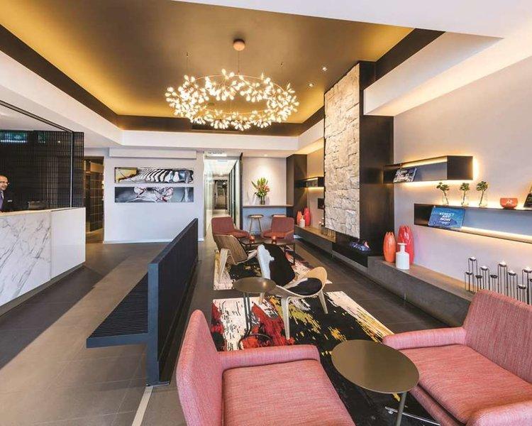 Adina Apartment St. Kilda Bar