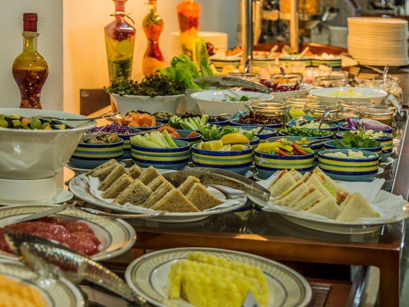 Golden Tulip Headington Ruwi Restaurant