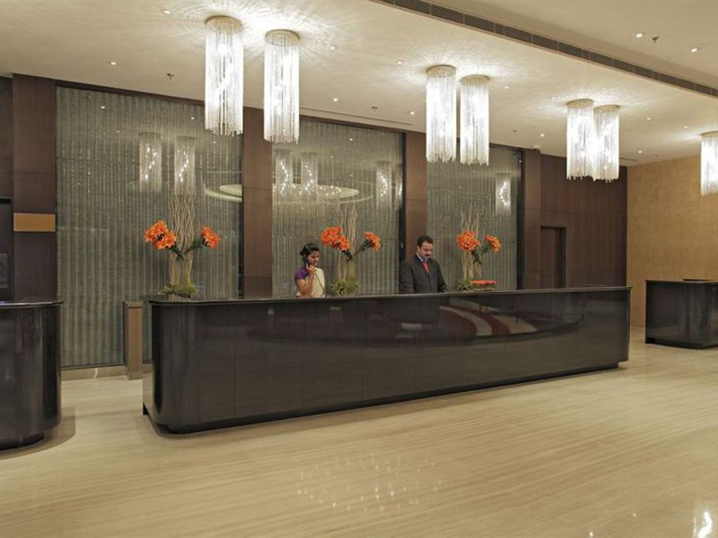 Radisson Gurugram Udyog Vihar  Lounge/Empfang