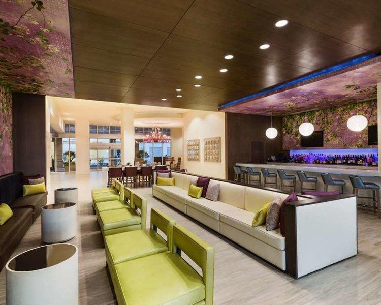 Wyndham Grand Jupiter at Harbourside Place Lounge/Empfang