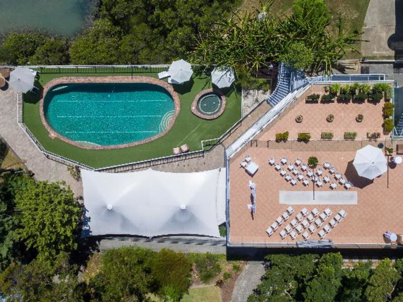 Newport Mirage Hotel Pool