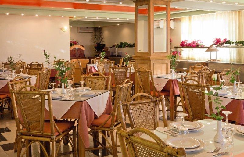 Dedalos Beach Restaurant