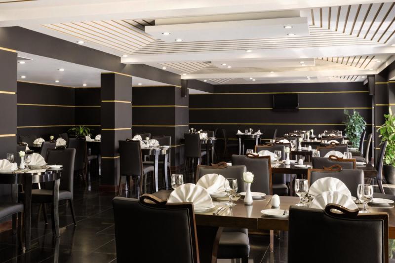 Ramada Qurum Beach Restaurant