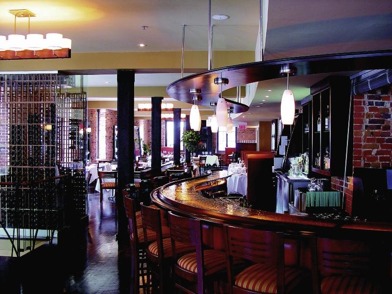 Nelligan Bar
