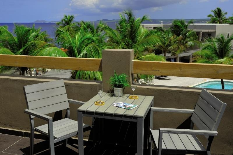 Eden Beach Resort Terrasse