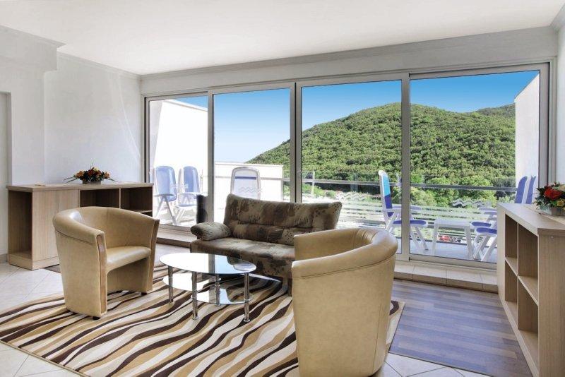 Maslinica Hotels & Resorts - Hotel Narcis Wohnbeispiel