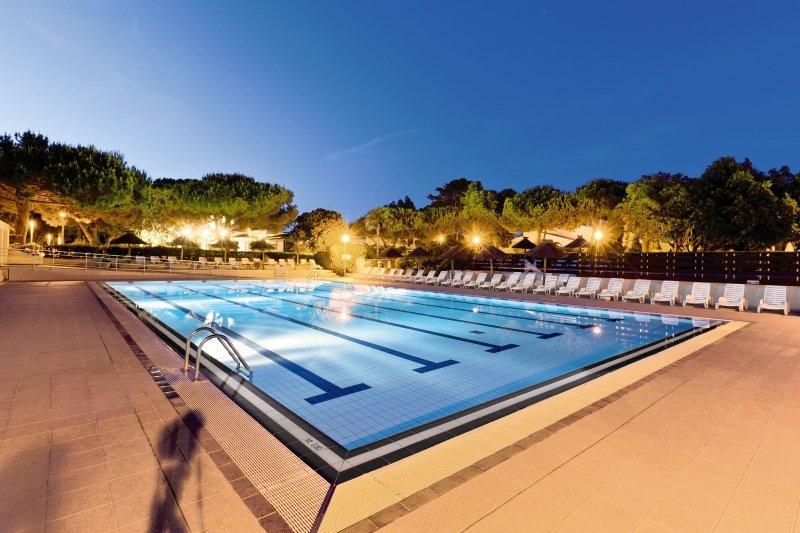 Marina Viva Hotel Club & Residence Pool