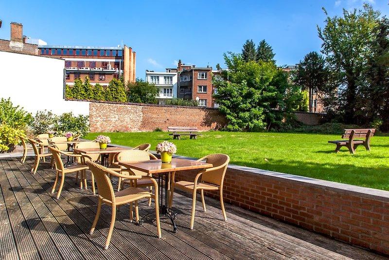 Premier Suites Brussels Lounge Terrasse