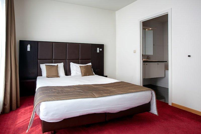 Premier Suites Brussels Lounge Wohnbeispiel