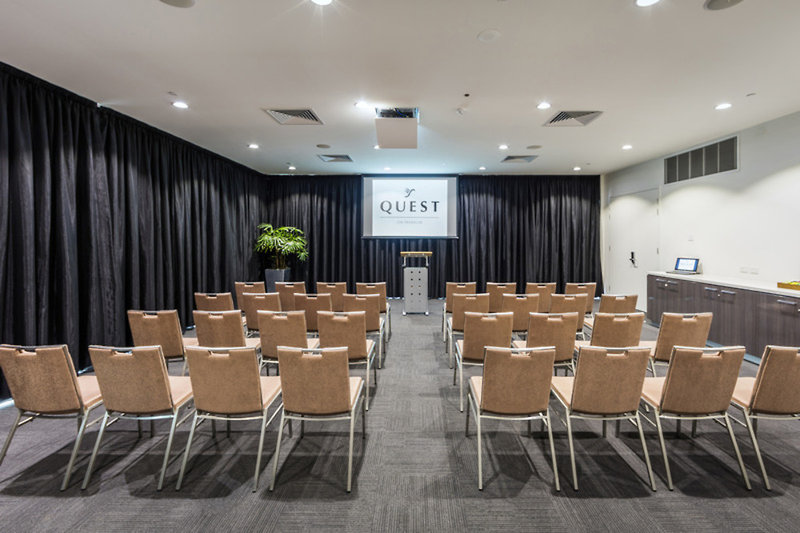 Quest Adelaide on Franklin Konferenzraum