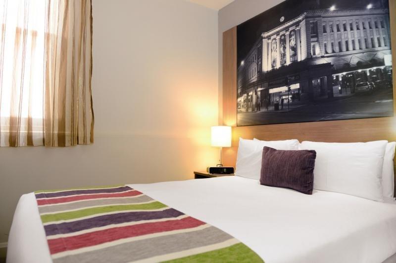 Mercure Grosvenor Hotel Adelaide Wohnbeispiel