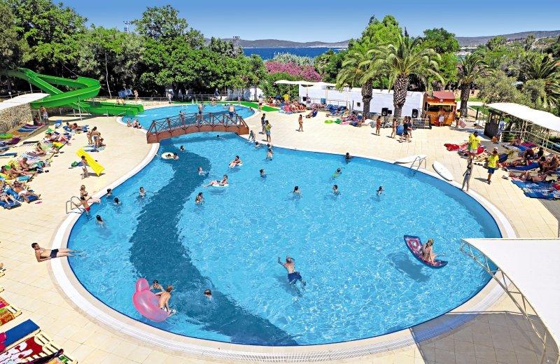 Club Resort Atlantis Pool
