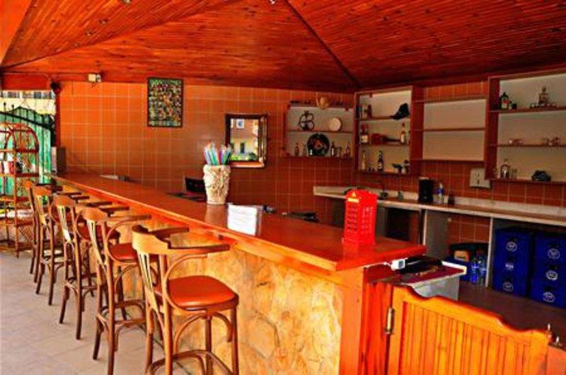 Melissa Garden Bar
