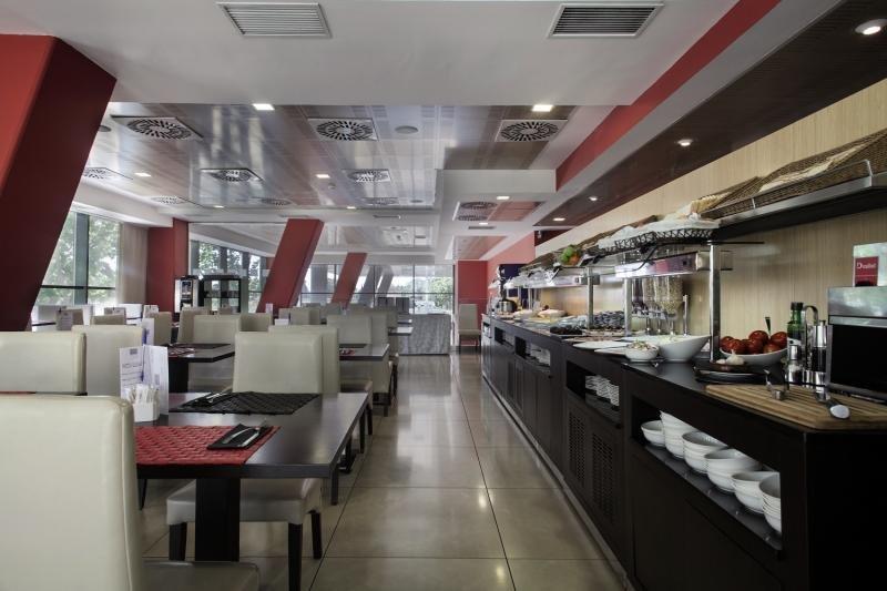 Hotel 4 Barcelona Restaurant