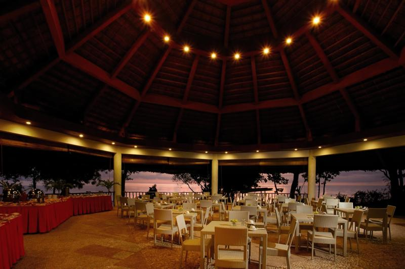 Bluewater Sumilon Beach Resort Restaurant