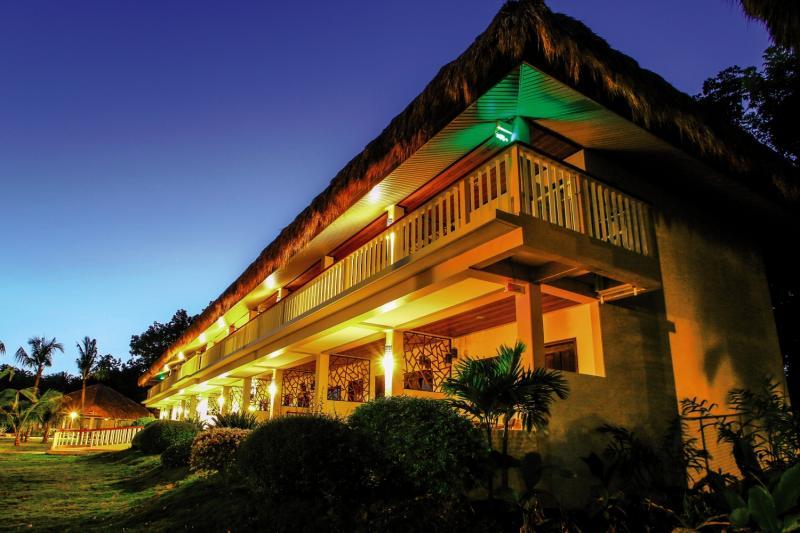 Bohol Beach Club Außenaufnahme
