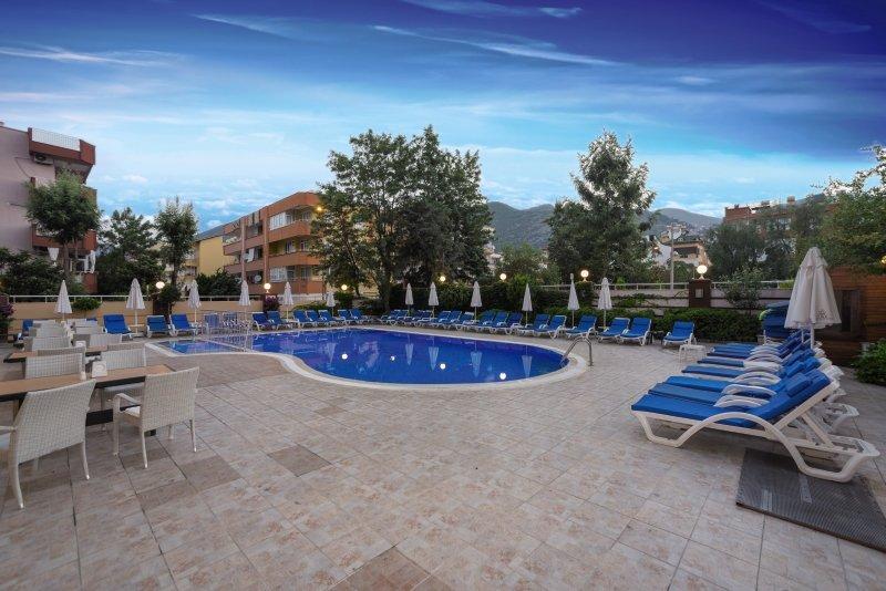 Tac Cleopatra Hotel & Spa Pool