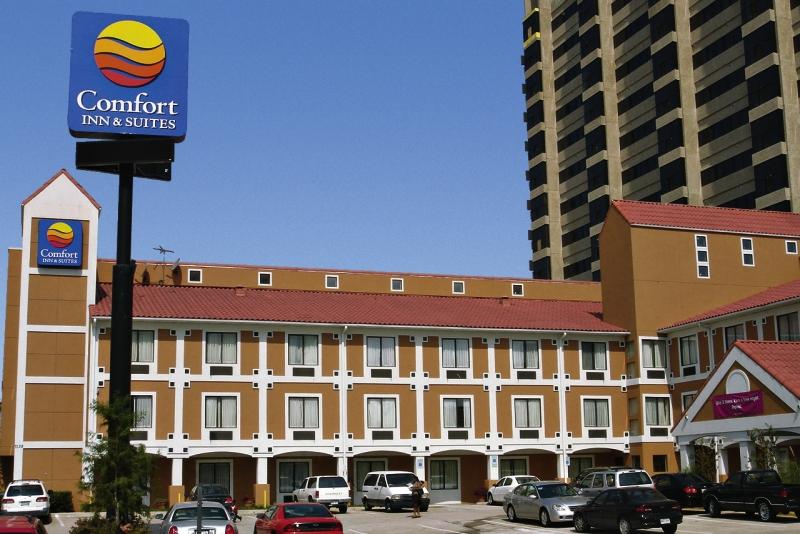 Comfort Inn & Suites Love Field - Dallas Market Center Außenaufnahme
