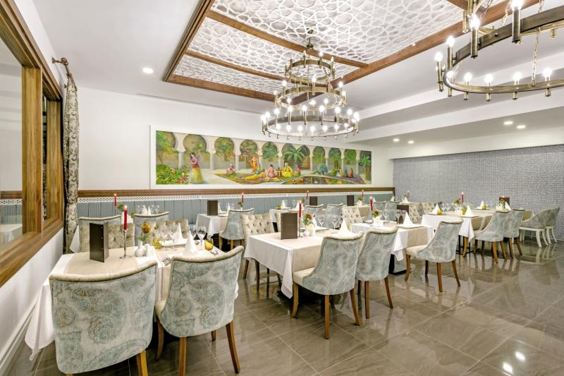 Glamour Resort & Spa Restaurant