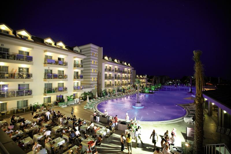 Golden Imperial Resort  Außenaufnahme