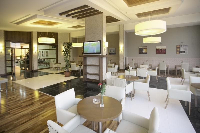 Golden Imperial Resort  Bar