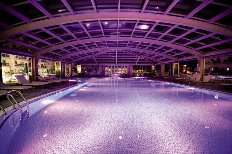 Golden Imperial Resort  Hallenbad