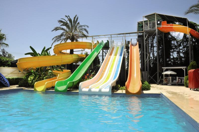 Golden Imperial Resort  Pool
