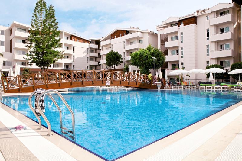 SunConnect Side Resort  Pool