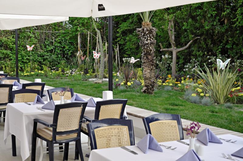 SunConnect Side Resort  Terrasse