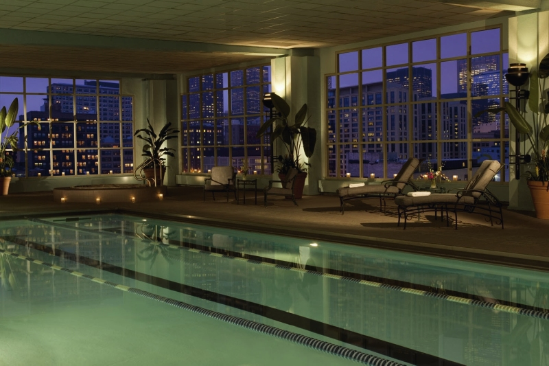 Hilton Chicago Pool