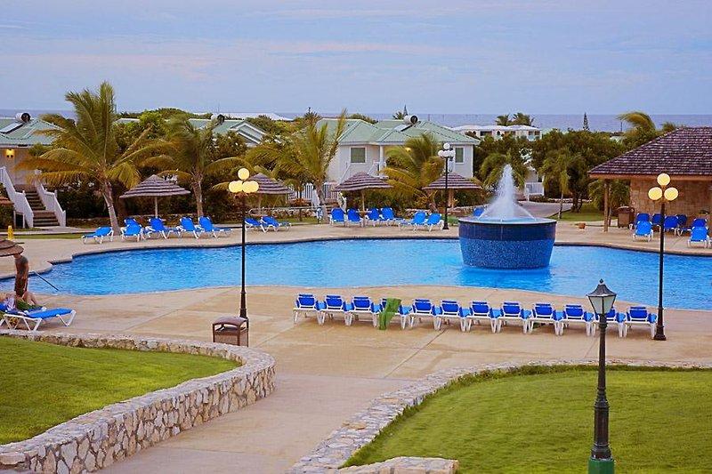 Verandah Resort & Spa Pool
