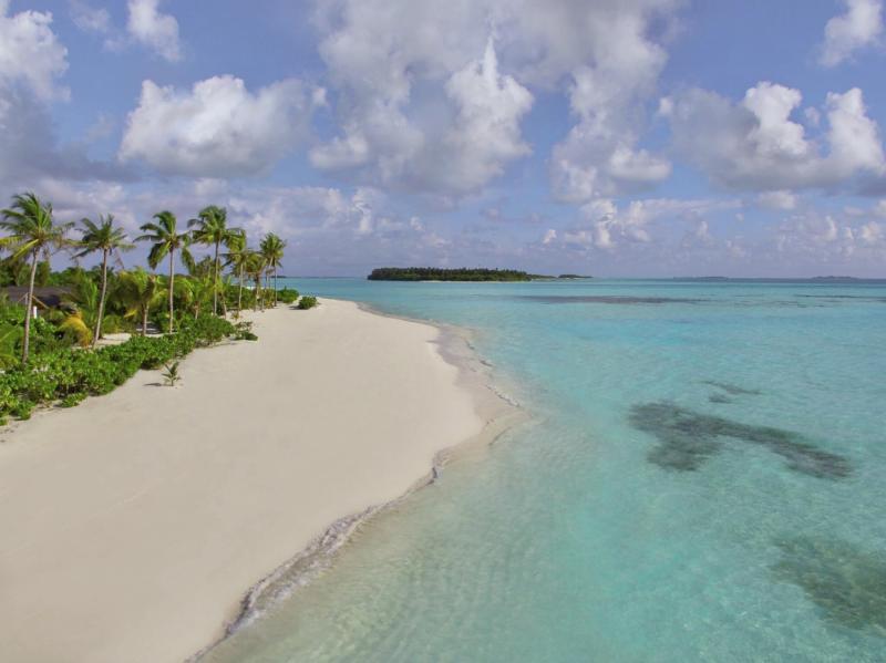 Innahura Maldives Resort Strand