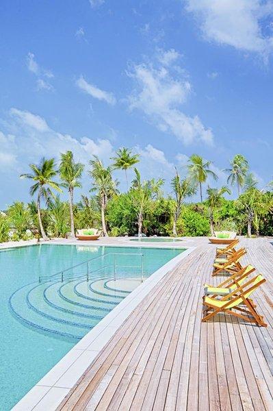 Innahura Maldives Resort Pool