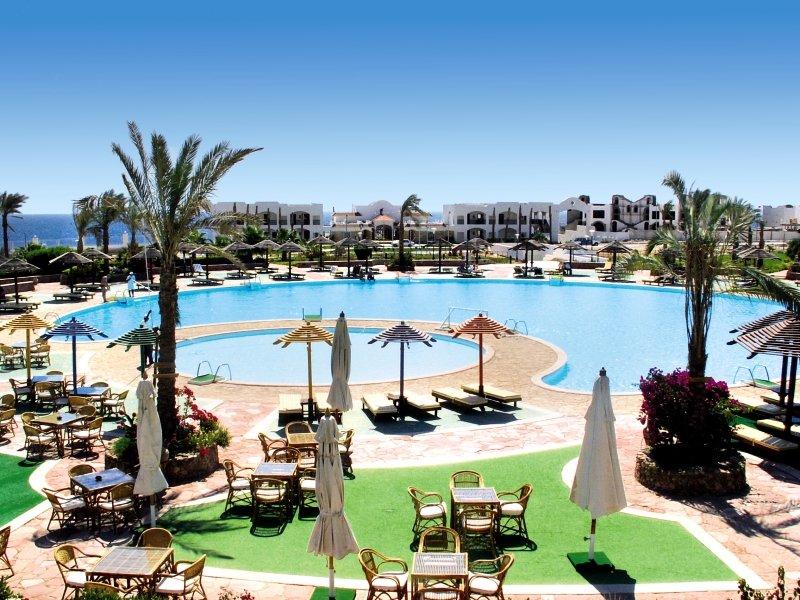 Coral Beach Resort Montazah Pool